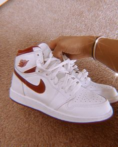 Dr Shoes, Swag Shoes, Nike Air Shoes, Hype Shoes, Me Too Shoes, Cute Sneakers, Sneakers Mode, Sneakers Fashion, Fashion Shoes