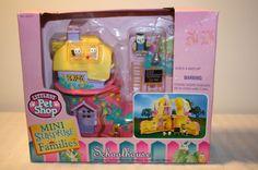 Littlest Pet Shop - Mini Surprise Families: Owl Schoolhouse, 1996.  Probably my favorite of the whole bunch.
