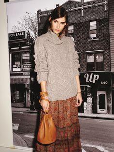 Pull en laine d'alpaga - Ulla Johnson // Jupe ne soir - Ulla Johnson // Sac en cuir - @baggu   // Bracelet en laiton doré - Fa #Tendance #Brooklyn #fashion #mode #women #femme #Bk #USA #dressing #BrooklynRiveGauche