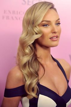 Candice Swanepoel perfect wavy hair old hollywood curls. Perfect Wavy Hair, Gorgeous Hair, Perfect Curls, Perfect Blonde, Amazing Hair, Gorgeous Blonde, Pretty Hairstyles, Wedding Hairstyles, Vintage Hairstyles