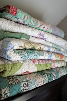 vintage quilts=love