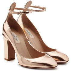 Valentino Metallic Leather Tan-Go Pumps (1.395 BRL) ❤ liked on Polyvore featuring shoes, pumps, heels, valentino, gold, retro shoes, ankle strap pumps, block-heel shoes, tan leather shoes and metallic pumps