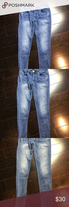 """AE Jean Super Stretch Skinny Jegging Jeans Size 6 Stylish, Trendy, In fashion!  Make this item part of your wardrobe today!  Roll the bottoms or wear straight.  Perfect for many occasions.  👖Size  - 6  👖Inseam - Approximately 27/28""""              👖 Color - Blue  Please """"comment"""" below with questions on this listing or other listings in my closet.  I accept resonable offers!  Please, no trades.  The other items pictured are not sold with this listing. American Eagle Outfitters Jeans Skinny"""