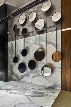 The best of mirror art and design in a selection curated by Boca do Lobo to inspire interior designers looking to finish their projects. Discover exquisite mirrors for your Living Room, Dining Room, Hallway or Bathroom. Spiegel Design, Luxury Mirror, Mirror Art, Mirror Ideas, Wall Mirrors, Room Of Mirrors, Wall Mirror Design, Round Mirrors, Japan Design