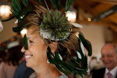 Espectacular nuestra clienta con el modelo Esmeralda!! Puedes encargarlo en todos los colores #tocados #boda #invitada www.laboutiquedeluca.com
