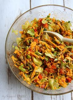This Taco Salad recipe is my go-to when I want a quick and easy meal. I love the spices and crunch! Plus, as evidence proved, it's a hit to take along to dinners and functions, it's the perfect potluck salad! Taco Salad Recipes, Taco Salads, Mexican Food Recipes, Ethnic Recipes, Taco Salad Doritos, Macaroni Salads, Antipasto, Salades Taco, Great Recipes