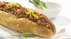 French Loaf with Cheesy Mince and Mushrooms Hot Dog Buns, Hot Dogs, South African Recipes, Ethnic Recipes, French Loaf, Spicy, Spaghetti, Stuffed Mushrooms, Treats