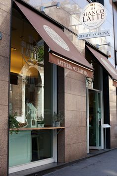 BIANCO LATTE - Milano.                              My fav place to stop for a coffee, glass of wine and some good old gelato.........