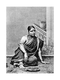 Brahmin woman, India, Get premium, high resolution news photos at Getty Images Vintage Photography Women, Vintage Photos Women, Vintage Photographs, Royal Indian, Indian Photoshoot, Vintage India, Indian Heritage, Asian History, Indian Art
