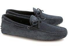 Ma sélection de chaussures originales pour hommes à porter cet été Tods Shoes, Loafer Shoes, Loafers Men, Men's Shoes, Backless Loafers, Fashion Details, Suede Leather, Navy Blue, Shabby Chic