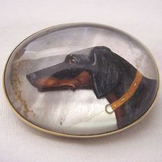 14 Kt. Gold Pin with an Essex Crystal of a Hunting Dog - Circa 1915