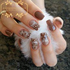Brown and beige with white design for fall Easter Nail Designs, Nail Art Designs, Hair And Nails, My Nails, Rose Nails, Luxury Nails, Beautiful Nail Designs, Nail Art Hacks, Creative Nails