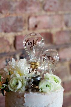 light bulb wedding cake topper / http://www.deerpearlflowers.com/industrial-wedding-ceremony-decor-ideas/2/