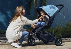 🌟 Introducing Thule's specially designed trolley for urban terrain: the Thule Double Strollers, Baby Strollers, Jogging Stroller, Newborn Essentials, Travel System, Baby On The Way, Suits You, Baby Gear, Spring