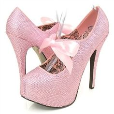heels....so wish these were in my size!!