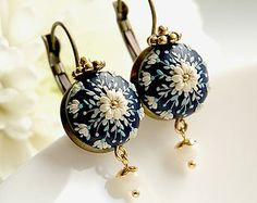 WINDSOR. Made to order chic and simple handmade earrings in windsor-blue