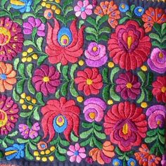 Beautifully hand embroidered roses in fine cross stitch on vintage linen All our vintage linen and hemp has been hand woven on small home looms Chain Stitch Embroidery, Learn Embroidery, Embroidery Art, Embroidery Stitches, Machine Embroidery, Folklore, Textiles, Embroidery Designs, Stitch Head