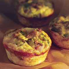 Recipe, grocery list, and nutrition info for Mini Mushroom-&-Sausage Quiches. These crustless mini quiches are like portable omelets. Turkey sausage and sauteed mushrooms keep them light and savory. Small and satisfying, they Mini Quiches, Mini Egg Quiche, Breakfast And Brunch, Breakfast Casserole, Breakfast Recipes, Breakfast Quiche, Breakfast Ideas, Breakfast Healthy, Eating Healthy