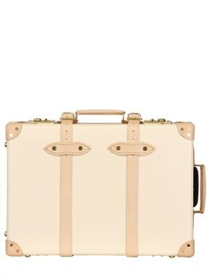 Globe Trotter luggage //