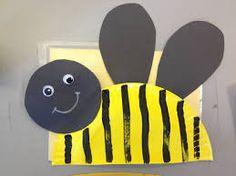 Μέσα σ'ένα σεντουκάκι...: Ιδέες από το διαδίκτυο με θέμα τα ΕΝΤΟΜΑ Bug Activities, School Age Activities, Spring Activities, Insect Crafts, Bug Crafts, Toddler Art, Toddler Crafts, Paper Plate Crafts, Paper Plates
