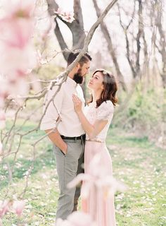 Sweet Outdoor Spring Engagement Session - Once Wed - Sweet Outdoor Spring Engagement Session – Once Wed - Outdoor Engagement Photos, Engagement Photo Outfits, Engagement Photo Inspiration, Engagement Session, Engagements, Engagment Poses, Wedding Engagement, Wedding Hair, Country Engagement