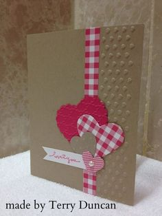 No instructions but a nice card. kraft base with reid and white . gingham ribbon/wasshi line die cut montage of hears . Paper Cards, Diy Cards, Ribbon Cards, Paper Ribbon, Valentine Love Cards, Handmade Valentines Cards, Valentine Sday, Tarjetas Diy, Creative Cards