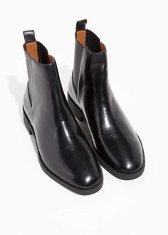 & Other Stories – black Chelsea leather boots. Description: Go back to basics with these ultimate classics and oh-so-loveable chelsea boots. Ankle Boots, Shoe Boots, Shoe Bag, Shoe Wardrobe, Black Chelsea Boots, Minimalist Shoes, Pumps, Duck Boots, Ballerinas
