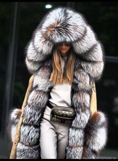 Winter Fashion Outfits, Fur Fashion, Luxury Fashion, Womens Fashion, Fashion Ideas, Long Overcoat, Fur Clothing, Fabulous Furs, Look Plus