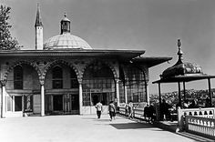 Turkey Istanbul Topkapi palace museum 1970s photography - Download this photo in HD $30 - https://gumroad.com/l/UKxI