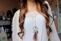 Image uploaded by Bianca Rodrigues. Find images and videos about girl, hair and necklace on We Heart It - the app to get lost in what you love. Tumblr Fashion, Fashion Images, Messy Hairstyles, Pretty Hairstyles, Red Hair Color, Hair Colors, Favim, Dyed Hair, Hair And Nails