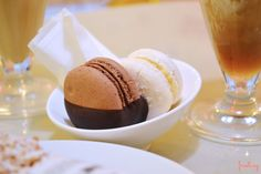 Dulce Budapest: una merienda en Sugar! Macarons de chocolate y coco. #budapest #sugar! @frostingbcn