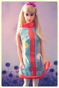 Standard center eyed Barbie - blonde