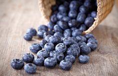 Mirtilo: conheça 5 benefícios da frutinha - Sabe o Mirtilo? Aquela frutinha roxa, também chamada de blueberry, que virou queridinha das musas-fitness de plantão? Pois o papo aqui é sobre ela. E a primeira coisa que você deve saber é...