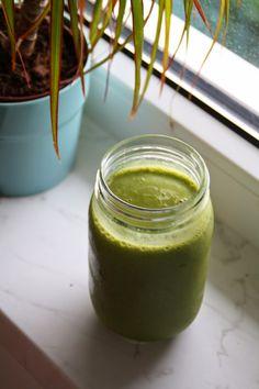Melis Frühstückssmoothie nennt sich 'Green Zen-ergy Matcha Shake'. Klingt kompliziert? Schaut aber super aus!