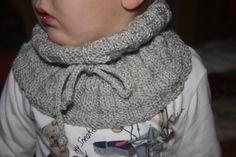Bufanda cuello niño chico bebe de lana con cordon, scart baby boy yark knitting https://www.etsy.com/es/listing/212533407/bufanda-cuello-para-ninos-con-cordon