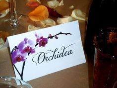 Wedding sit placecard flowers theme