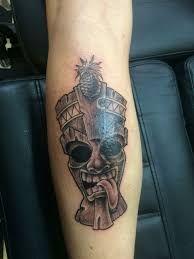Tiki Tattoo 48 Tattoo Ideas, Tattoo Designs, Design Tattoos, Tiki Tattoo, Hawaiian Tiki, Hawaiian Tattoo, Tattoo Inspiration, Maori, Home