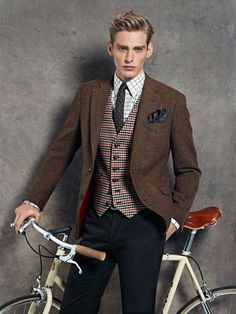 The bike is just a prop here, I'm sure, but it's a grand outfit on its own,