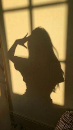 Iphone Wallpaper Sky, Bad Girl Wallpaper, Scenery Wallpaper, Cute Wallpaper Backgrounds, Cute Wallpapers, Shadow Photography, Girl Photography Poses, Bild Girls, Girl Shadow