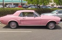 Doris had one like this only pale blue Mustang