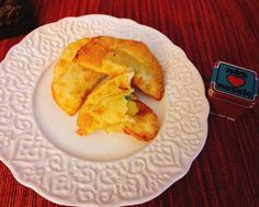 """0 curtidas, 1 comentários - Dona Manteiga (@donamanteiga) no Instagram: """"Samosas Vegetarianas Use massa harumaki ou massa de pastel em rolo. Eu Usei massa de gyosa.…"""""""