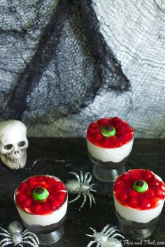 Send your guests screaming over this Eyeball Halloween Cheesecake! It is a no bake Halloween treat! Easy to throw together for your next party! Halloween Eyeballs, Halloween Candy, Diy Halloween, Halloween 2020, Halloween Foods, Halloween Decorations, Halloween Dinner, Halloween Birthday, 60th Birthday
