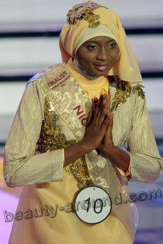 Ganadora nigeriana de concurso para mujeres musulmanas en Indonesia