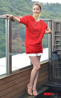 Lee So Yeon, Loren Gray, Korean Actresses, Korean Beauty, Photo Galleries, Shirt Dress, Female, Grey, Gallery