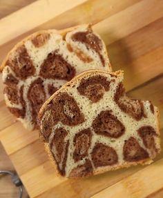 Süßes Brot mit Leo-Muster - so einfach geht's!