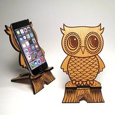 Cute Wooden Owl Phone Stand - Universal Smart Phone / iPhone Dock - Fits iPhone iPhone Plus, iPhone 5 or Samsung from PhoneTastique on Etsy. Iphone S6 Plus, Iphone 6, Diy Phone Stand, Wood Crafts, Diy And Crafts, Cnc, Owl Mobile, Gravure Laser, Video Chat