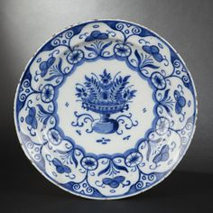 Round platter decorated in blue camaïeu, Century Delft, Blue Plates, Fine Porcelain, Something Blue, Fine China, Earthenware, Chinoiserie, Decoration, 18th Century