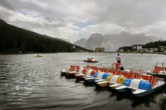 Lago Misurina - Itália, rodeado pela paisagem das Dolomitas. Congela no Inverno. Acolheu os Jogos Olímpicos Cortina d'Ampezzo. É um lugar bom para a asma.