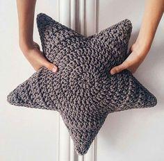 Post - tricot,stricken-Love that increase method! Crochet Cushions, Crochet Pillow, Crochet Baby, Knit Crochet, Crochet Motifs, Crochet Stitches, Crochet Patterns, Crochet Stars, Crochet Slippers