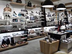 healthy people 2020 goals for the elderly home jobs nyc Shoe Display, Display Shelves, Display Ideas, Shop Front Design, Store Design, Elderly Home, Shop Organization, Shop Window Displays, Shop Plans